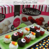 Monster Eye Cakeballs ~ made in 10 seconds or less with Cakeballz #Halloween #EasyDesserts