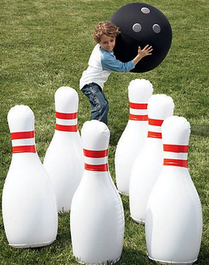 lifesized bowling set, perfect for family reunions, parties and summer fun #Teens, #Parties, #summer, #Outdoor