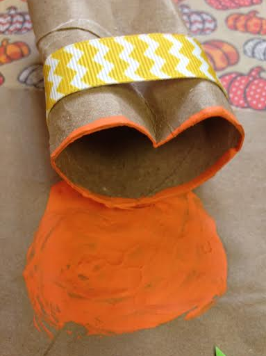 Toilet Paper Roll Craft, Make a stamp to create your very own pumpkins, Low cost crafts, party ideas, Fall