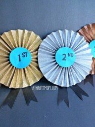 pinwheel ribbon out of glittered cardstock, tutorial, #cardstock, #glitteredcardstock, #ribbon, #craft, #diy,#award