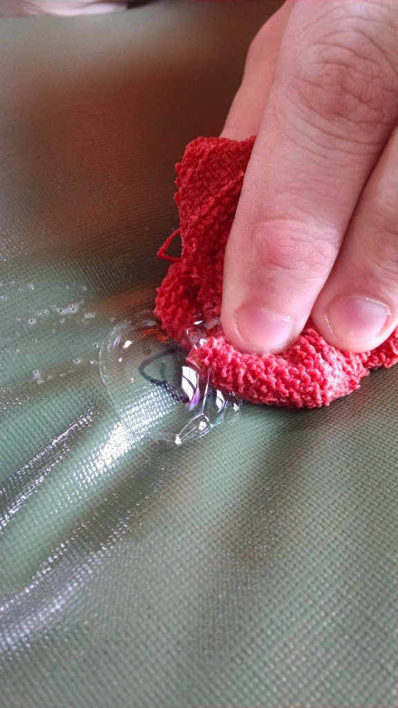 How to find small holes in air mattress
